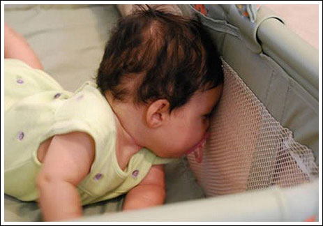 Foto Foto Bayi yang Lucu Bikin Ketawa ngakak saat Tidur