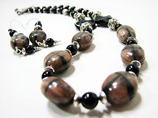 chaistolite and onyx beaded necklace set laurastaley.etsy.com