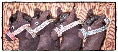 Caballito de tela con palo de madera para ni os caballo de tela recrear manualidades arte - Cabezas animales tela ...