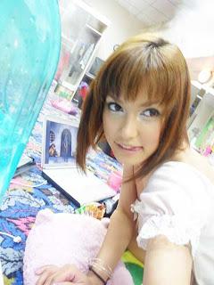 bagi miyabi lovers yang ingin koleksi foto miyabi 2010 tersebut