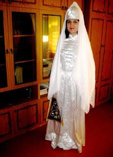 La culture du nord du caucase russe for Concepteur de robe de mariage russe