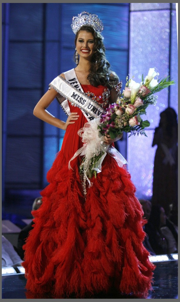 SASHES AND TIARAS.....Miss Universe 2010 Preliminaries Gowns: Good ...