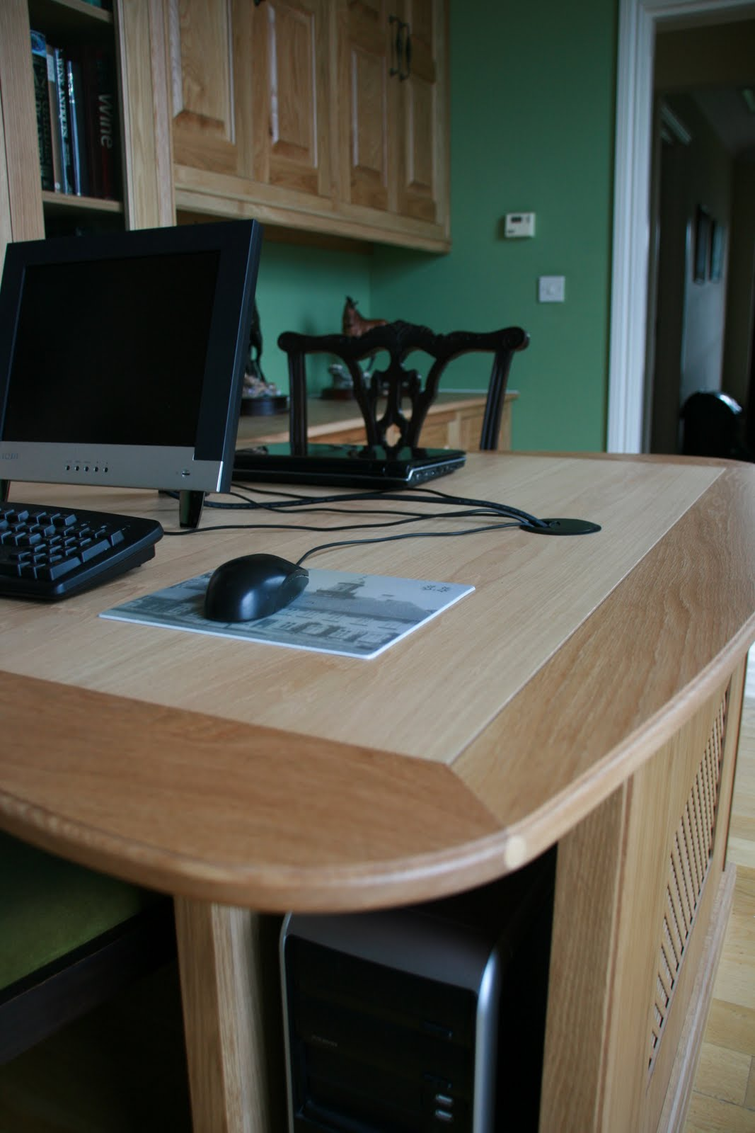 custom built fitted office furniture