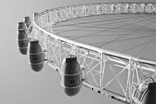 The London Eye - Source: http://metrodusa.blogspot.com/