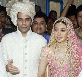 Bollywood Check Karisma Kapoor Delights Kareena Kapoor With A Baby Boy