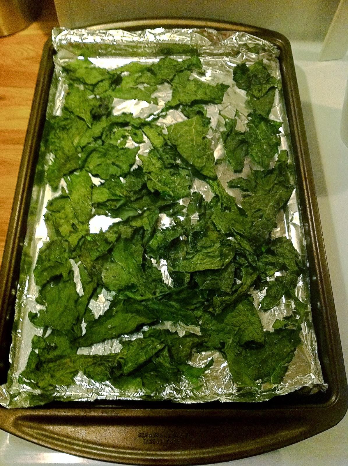 scrawnyWOD: Baked Kale Chips