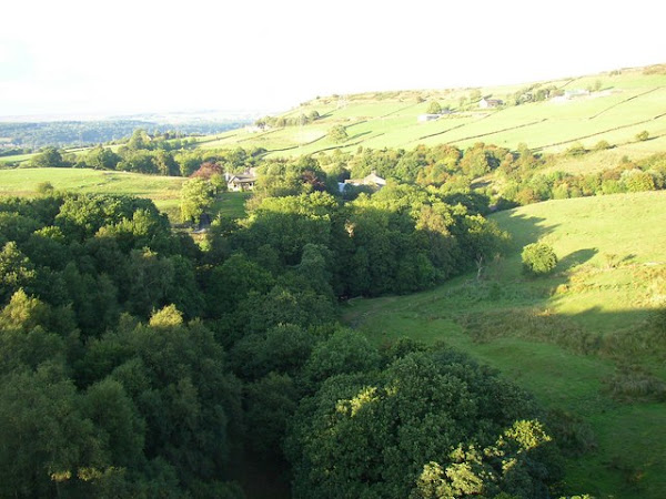 Hewenden Valley