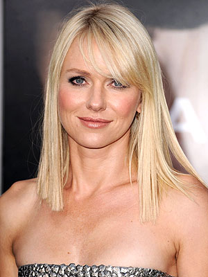 Naomi Watts&#39; new blonde be-banged look is making me question my opinion that ...