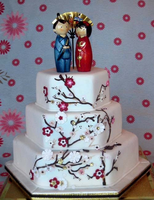 Although Japanese wedding cakes look very much like Western ones