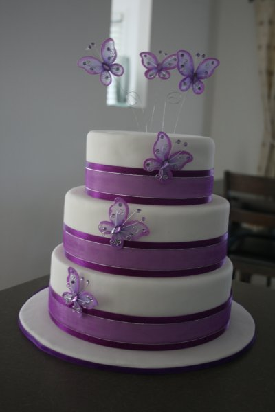 Butterfly Cake Toppers  Wedding Cakes on Wedding Accessories Ideas  Butterfly Wedding Cakes Above