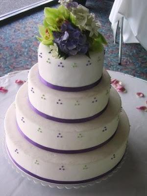 4 tier round wedding cakes dots