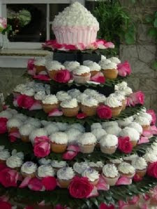 Giant Cupcake Wedding Wakes