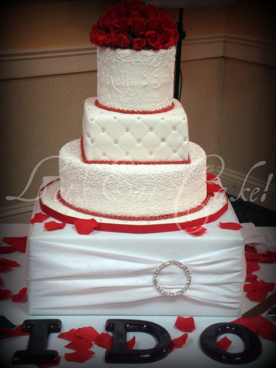 Wedding Cake Designs Red And White : Wedding Accessories Ideas