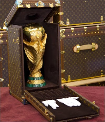 Louis Vuitton embala Taça da Fifa