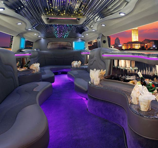 awesome limo interior 16 pics curious funny photos pictures. Black Bedroom Furniture Sets. Home Design Ideas