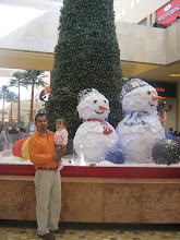 Dad and Gabby and snowmen