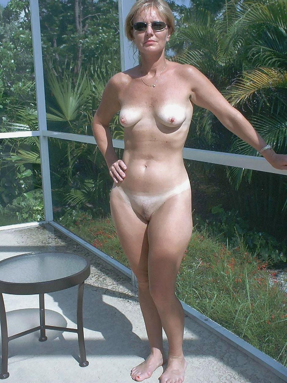 nudists naturists exhibitionists