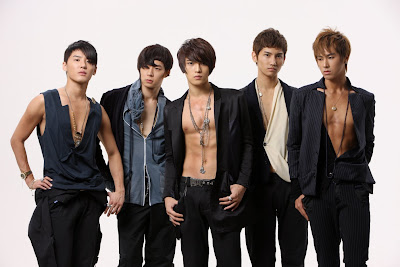 http://2.bp.blogspot.com/_hBv0I8vGiaU/TDLsypCf1TI/AAAAAAAABJQ/h4rFj_l4rCg/s1600/tvxq-boyband-korea.jpg