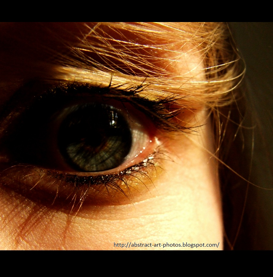 yellow eyes human - photo #26