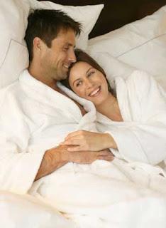 http://2.bp.blogspot.com/_hCUpDrryLPc/SedSB-2BmuI/AAAAAAAAAWk/QiiqzEIjQfY/s320/make-love.jpg