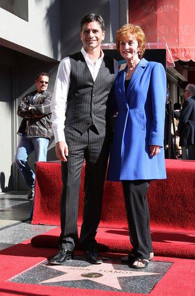 [John+Stamos+Honored+Hollywood+Walk+Fame+V9nUDPkkB_al.jpg]
