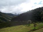 Vista de las montañas  vìa hacia Canaguà