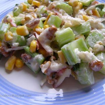 Sałatka z selerem naciowym, orzechami i kukurydzą - Czytaj więcej »
