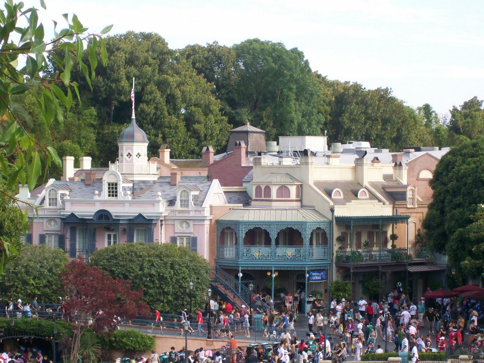 http://2.bp.blogspot.com/_hFi4AZM6xqQ/TDrAXoK_wDI/AAAAAAAAAA4/dxGtGzsyybI/s1600/Disney+165.JPG
