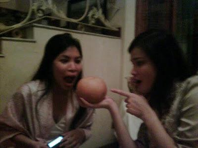 Tracy Trinita Love this big pear