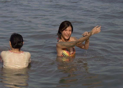 Olga Lydia in bikini