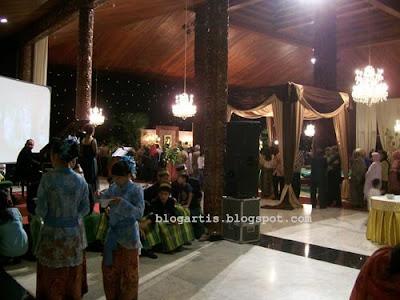 foto resepsi pernikahanMeutya Hafid