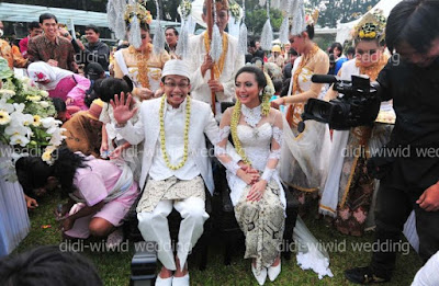 Wiwid Gunawan officially got married. Congrats! (Late post, again)