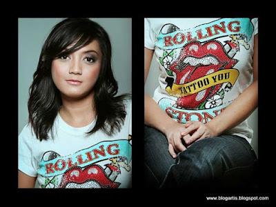 Wiwid Gunawan Wears a Rolling Stones T-shirt