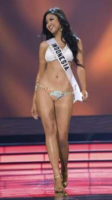 Zivanna Letisha Siregar in Miss Universe 2009 Pageant