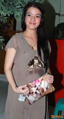 Sheila Marcia Shares Her Pregnancy Photos