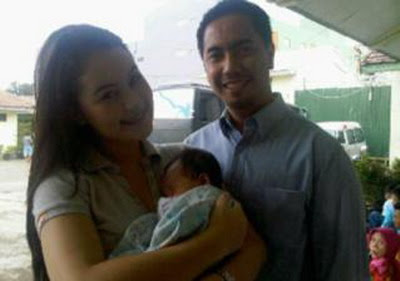 Jennifer Dunn, Sunan Kalijaga and a baby