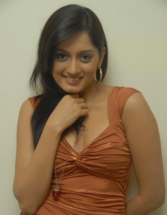 parvathi vaze actress pics