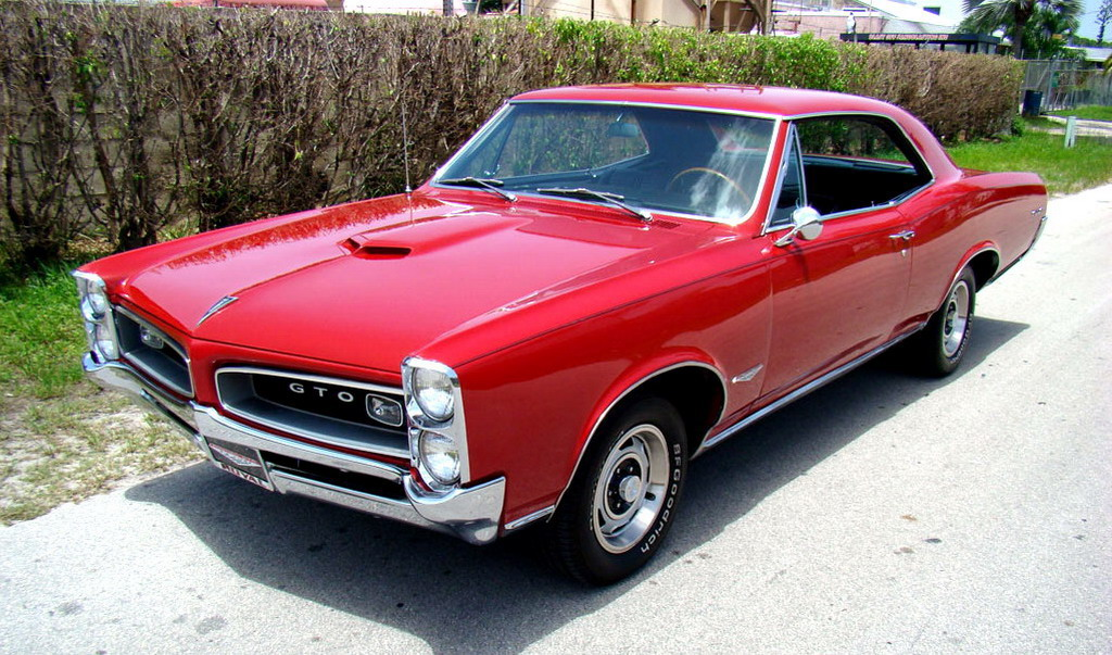 Red-1966-Pontiac-GTO-Coupe-Picture.jpg