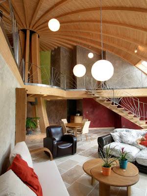 Domespace Une Maison De Bois   Tournante