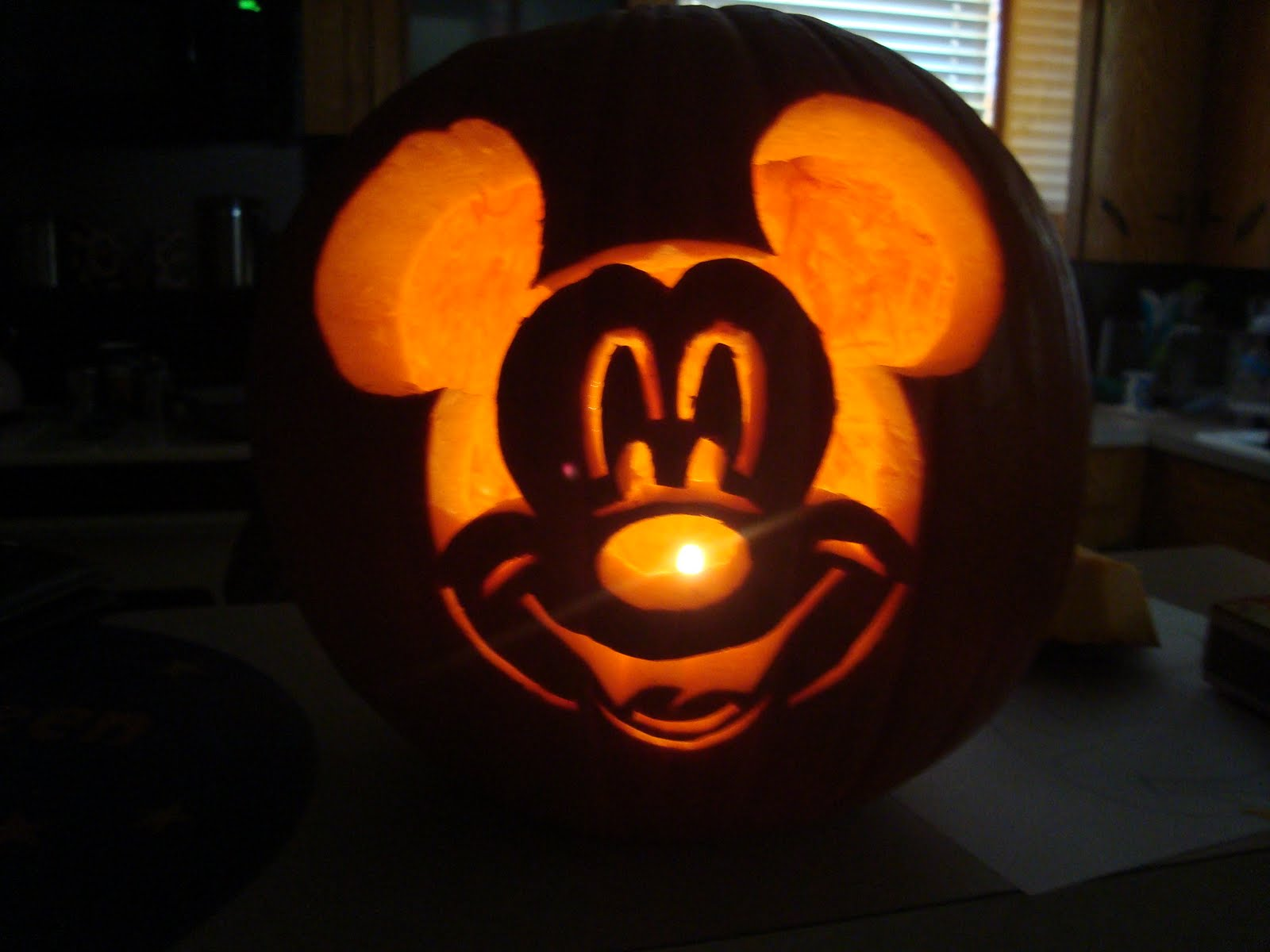 The schindewolf squad pumpkin carving for Vampire mickey mouse pumpkin template