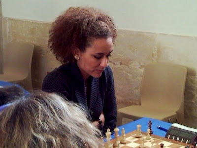 Aurélie Dacalor en live au TOP 12 - photo Chess & Strategy