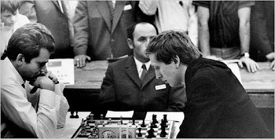 Spassky - Fischer en 1972 à Reykjavik, le match le plus médiatisé de l'histoire des échecs