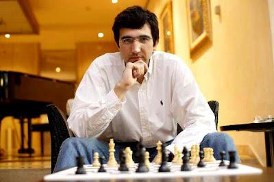 Le grand-maître d'échecs Vladimir Kramnik