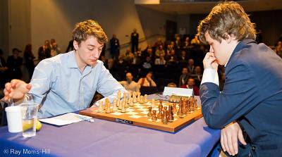 Echecs en Angleterre : McShane 1-0 Carlsen © Ray Morris-Hill