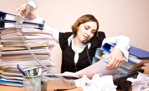 Tips Agar Tidak Dianggap Sombong Meski Sibuk Bekerja