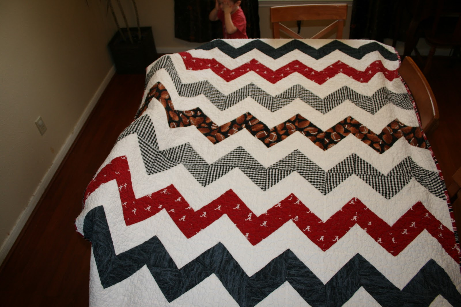 Alabama Football Quilt Pattern http://tulip-patch.blogspot.com/2010/10/archives-zigzag-quilt.html