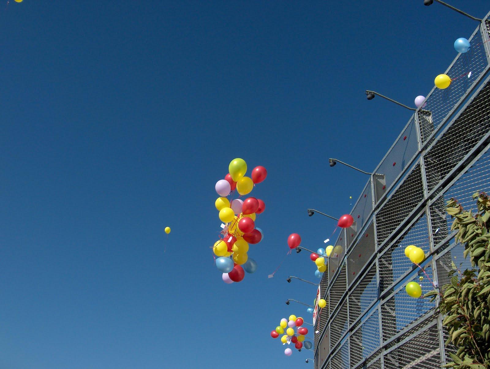 http://2.bp.blogspot.com/_hN7SKHZ3VlQ/TKrQsI4JUAI/AAAAAAAAAZ0/HMX7vVQowlw/s1600/ballon.jpg