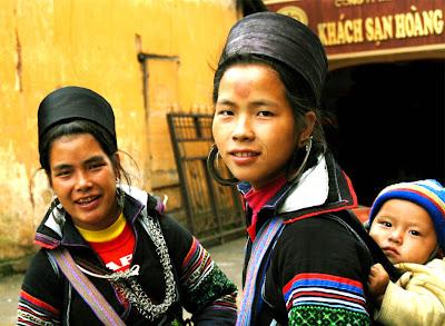 black hmong sapa vietnam