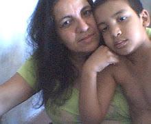 Minha Mãe e meu irmão.