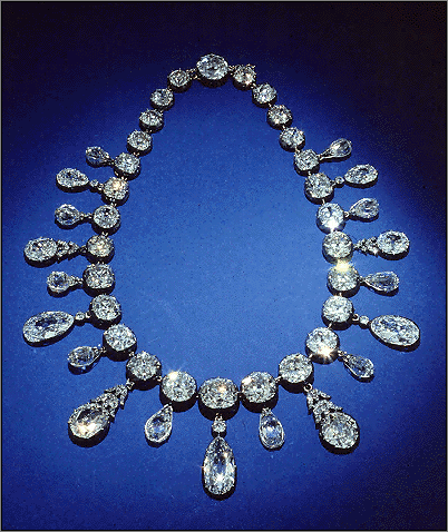 the necklace by maupassant The necklace is a short story by guy de maupassant that was first published in 1884.
